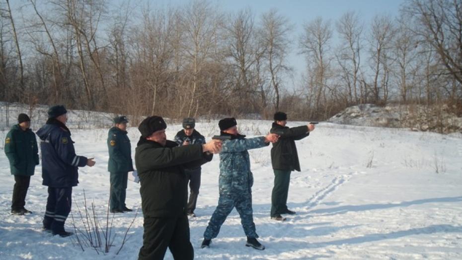 В Кантемировском районе силовики сразились на стрельбище