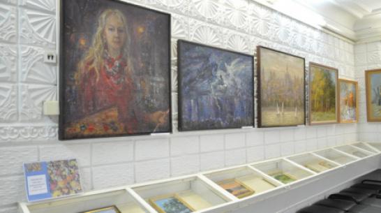 Жителей Павловска пригласили на межрайонную выставку картин «Осенняя палитра»
