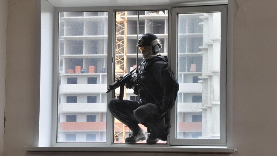 Воронежский спецназ на учениях спас от «террористов» 200 студентов