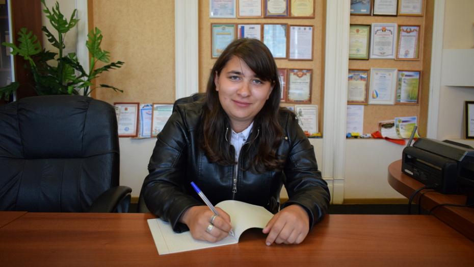 В Борисоглебском сельхозтехникуме впервые за 15 лет диплом механизатора получила девушка