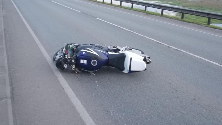 В Воронежской области на трассе Курск – Саратов погиб 28-летний мотоциклист