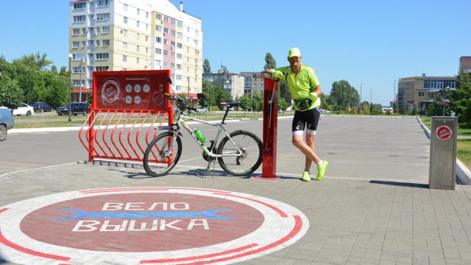 В Павловске впервые появилась бесплатная станция самообслуживания для ремонта велосипедов