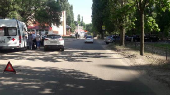 В Воронеже автоледи на иномарке сбила 13-летнего мальчика