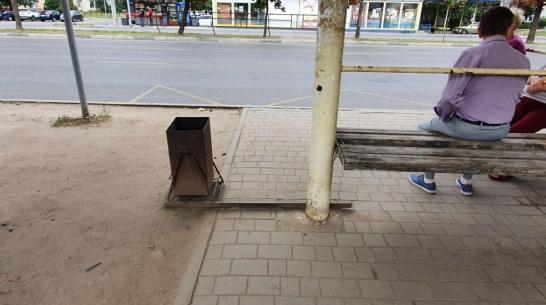 Жительница Воронежа обвинила коммунальщиков в своем падении на остановке «17-й квартал»