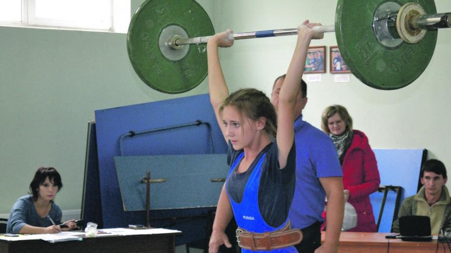 Лискинские тяжелоатлеты выиграли 4 «золота» на первенстве области