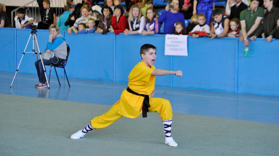 Воронежцев пригласили на бесплатные занятия по китайской гимнастике