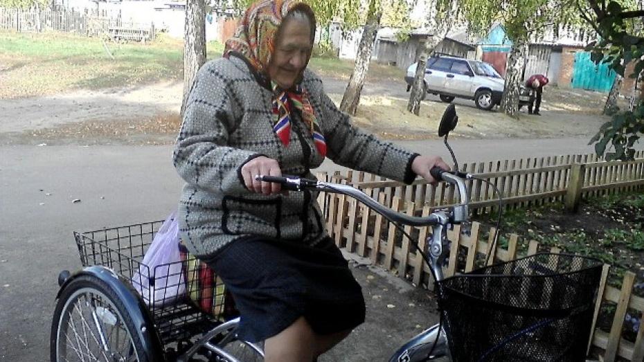 80-летняя жительница Нижнедевицка сама сделала дома евроремонт