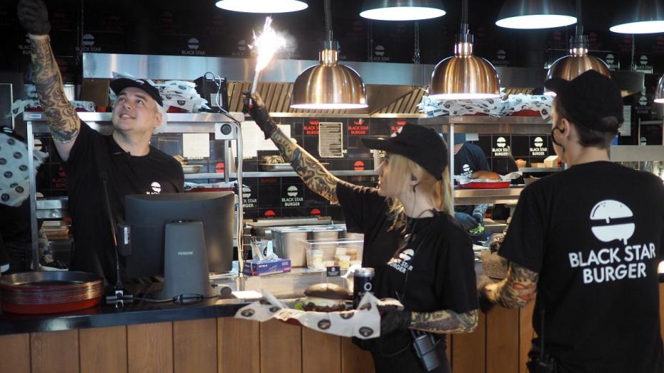Совладелец Black Star Burger проверил воронежскую бургерную