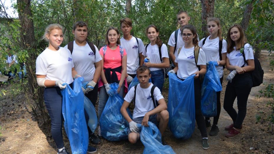 Россошанцы собрали более 1 тыс мешков мусора в рамках экоакции «Сделаем»