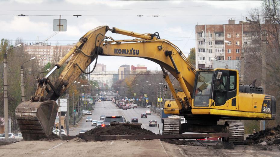 Мэр Воронежа пообещал открыть движение по виадуку на 9 Января до лета 2020 года