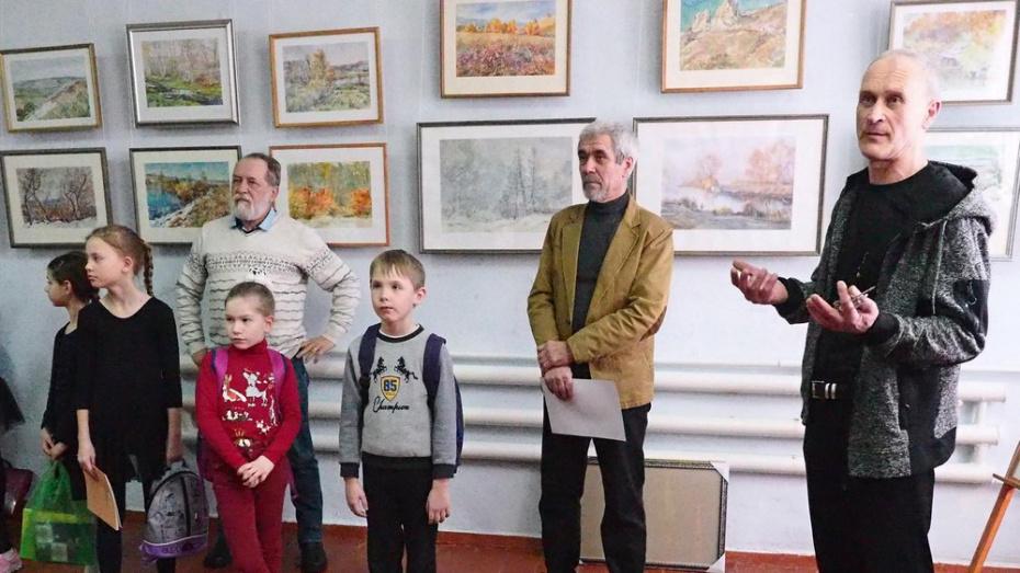 В Бутурлиновке открылась выставка акварели художника Михаила Химичева