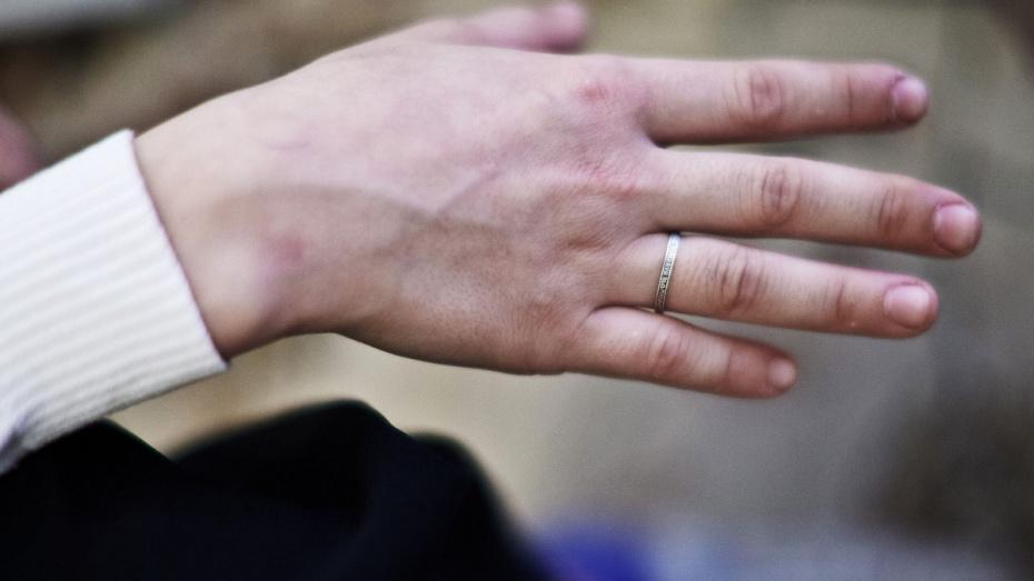 В Воронеже пропала женщина, сбежавшая из больницы