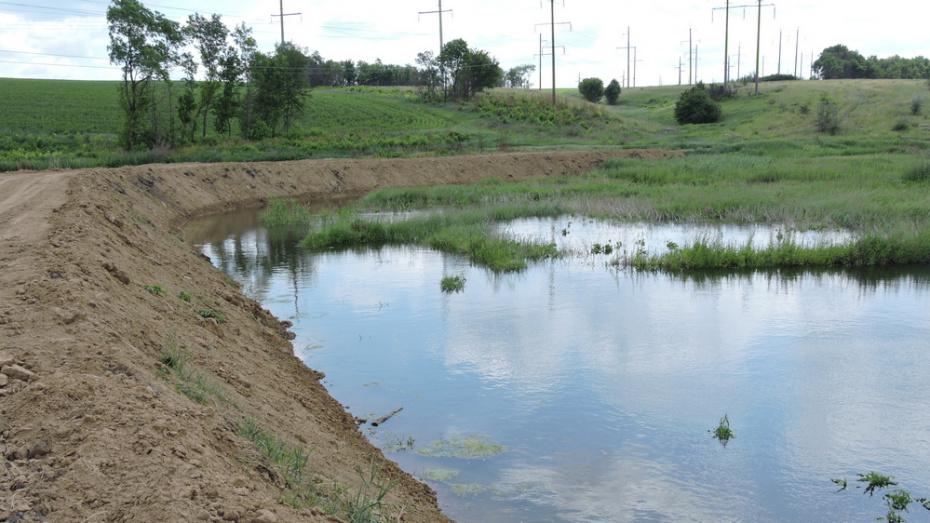 Жители кантемировского села Валентиновка восстановили засохший пруд
