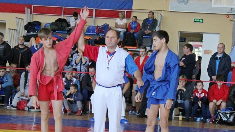 Таловские спортсмены завоевали «золото» и 2 «бронзы» на открытом первенстве по самбо