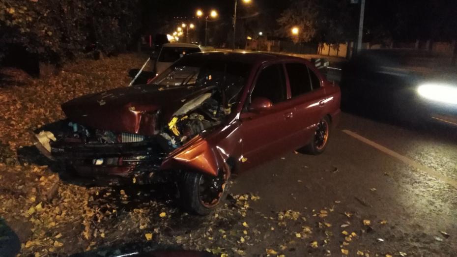 Очевидцы сообщили о пострадавшем в ДТП 28-летнем пассажире такси в Воронеже