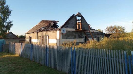 В селе под Воронежем из-за пожара обрушилась крыша дома: погибла 87-летняя женщина
