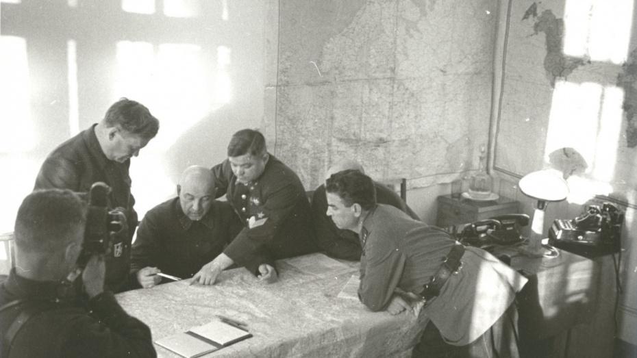 Минобороны опубликовало неизвестные фото командующих Воронежским фронтом