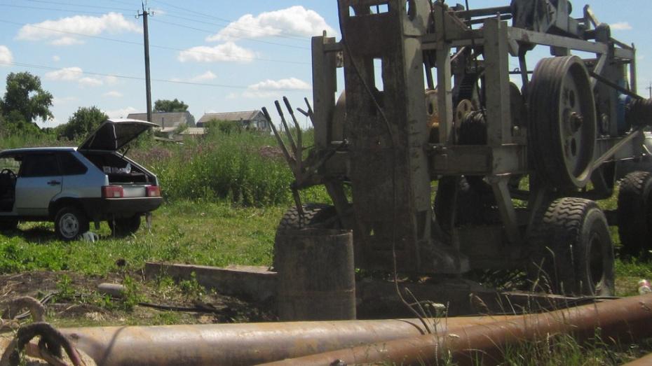 В репьевском селе Краснолипье начали бурить водозаборную скважину