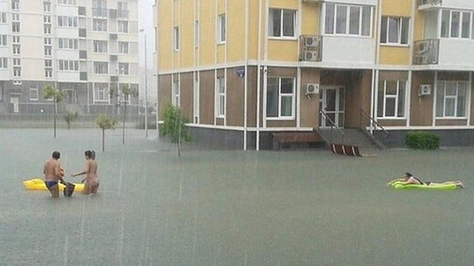В Сочи из-за наводнения ввели режим ЧС