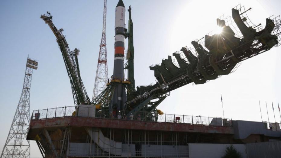 Ракету-носитель с воронежским двигателем установили в пусковую систему