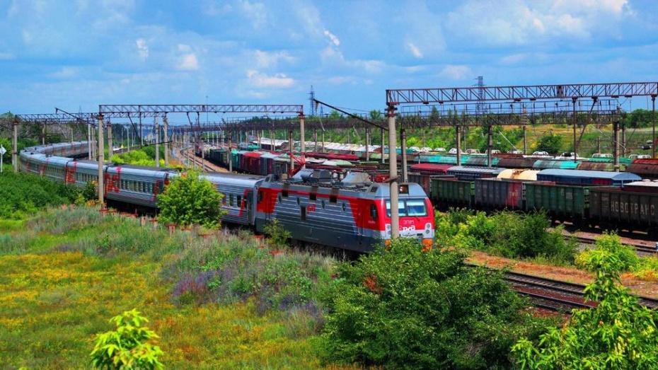 На станции Россошь из-за отравления сняли с поезда 22 ростовских студента