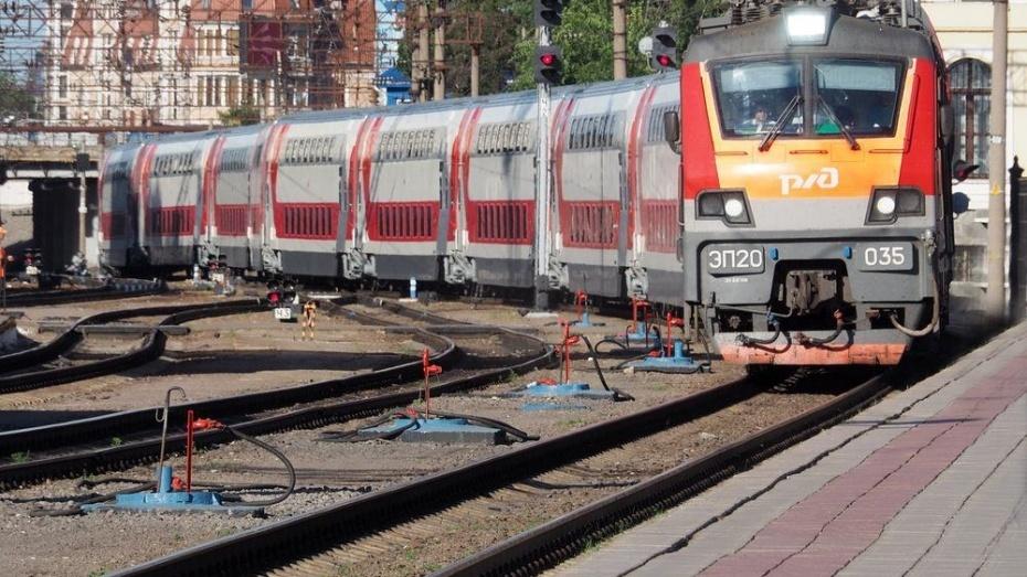 Двухэтажный поезд «Москва-Воронеж» сократит время впути на8 мин.