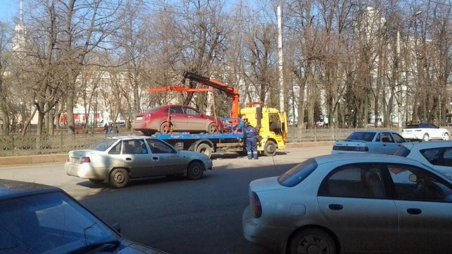 Депутаты облдумы уточнят правила эвакуации автомобилей с воронежских улиц