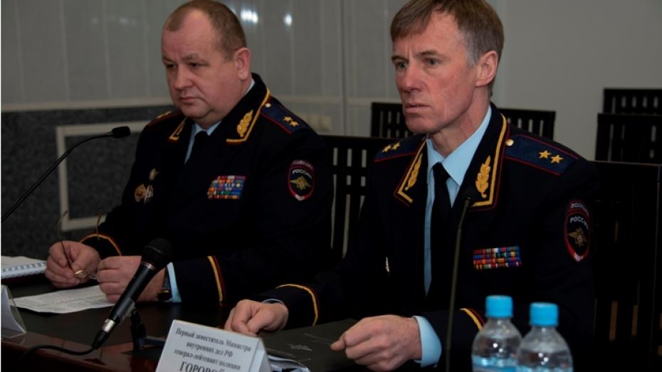 Замминистра МВД проверил, как в Воронеже готовят к службе сотрудников вневедомственной охраны