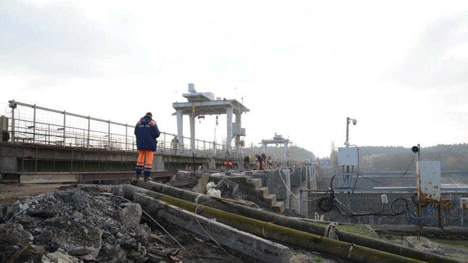 Мост через водосброс Воронежского водохранилища могут открыть до конца 2019 года