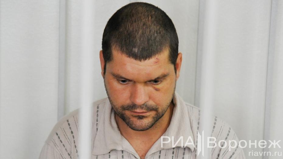 Воронежский суд арестовал обвиняемого в убийстве семьи в переулке Здоровья на 2 месяца