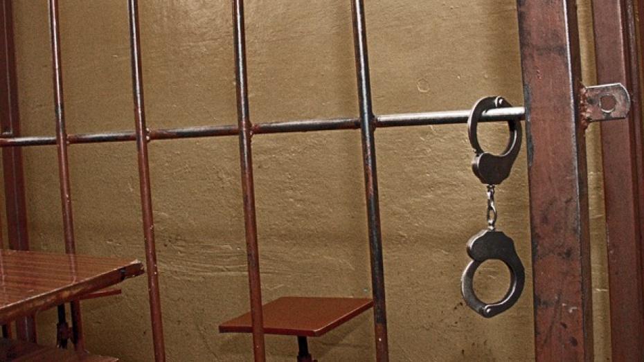 Педофил из Воронежа, развращавший 5-летнего пасынка, был ранее судим за подобное преступление