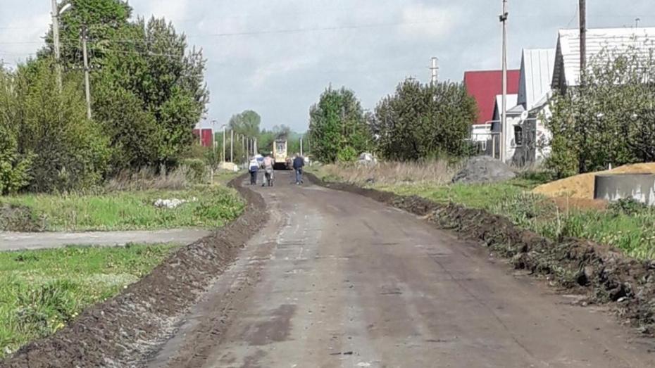 В павловском селе Елизаветовка на ремонт дорог направили более 7,9 млн рублей