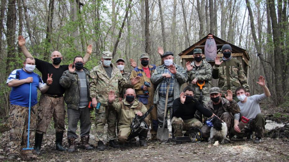 Каменские охотники своими силами восстановили родник в селе Марки