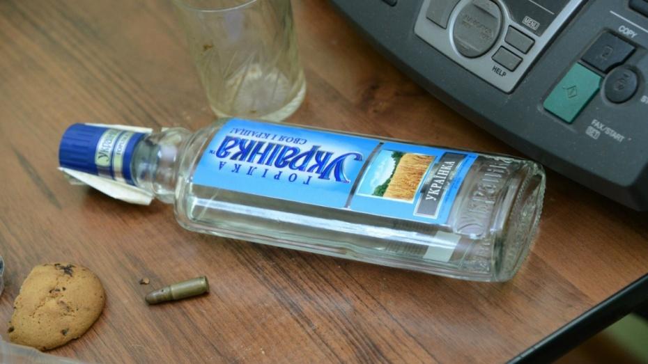 В Воронежской области отсидевший 11 лет рецидивист ответит за убийство человека бутылкой