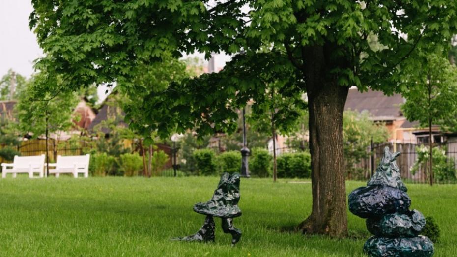Воронежский художник Иван Горшков сделал скульптуры-игрушки для страны «Веневии»