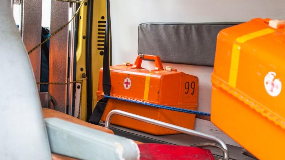 В Воронежской области «Приора» сбила скутер: двое погибли