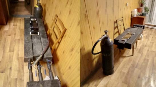 Колонию в Воронежской области пытались «обстрелять» телефонами из самодельного миномета