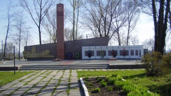 В репьевском селе Новосолдатка благоустроят сквер и отремонтируют памятник «Скорбь народа»