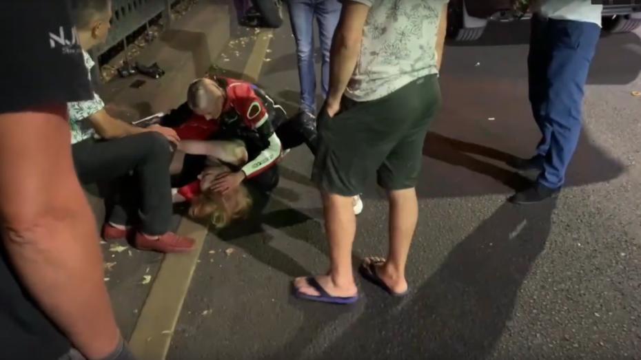 В центре Воронежа мотоциклист сбил 21-летнюю девушку на пешеходном переходе