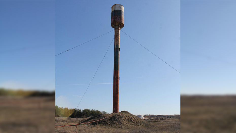 В хохольском селе Оськино отремонтировали водонапорную башню