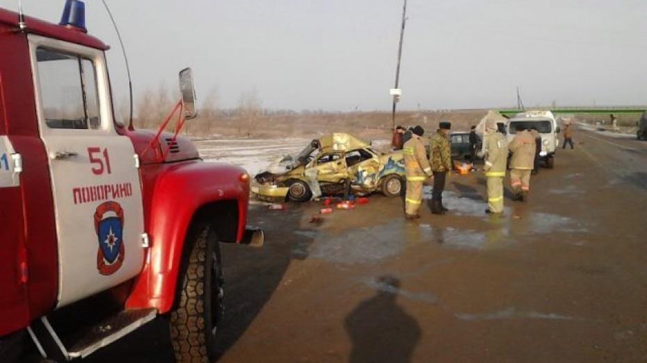 В Поворинском районе на трассе М-6 в ДТП погиб человек