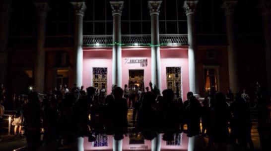 Театр в электричке и хип-хоп-спектакль. Что покажут на воронежском фестивале «Центр»