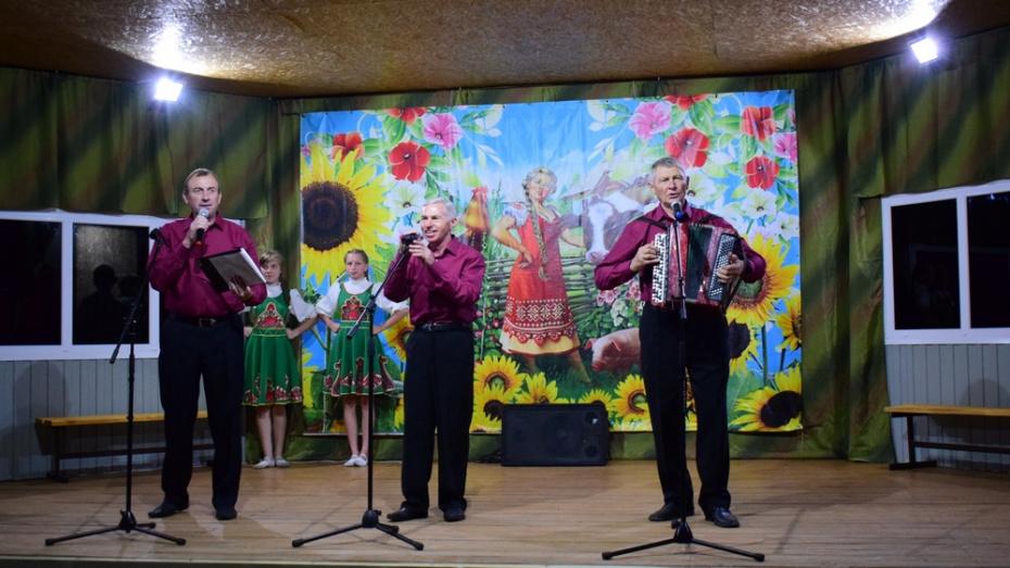 В День грибановского села Нижний Карачан запустят салют в 120 залпов