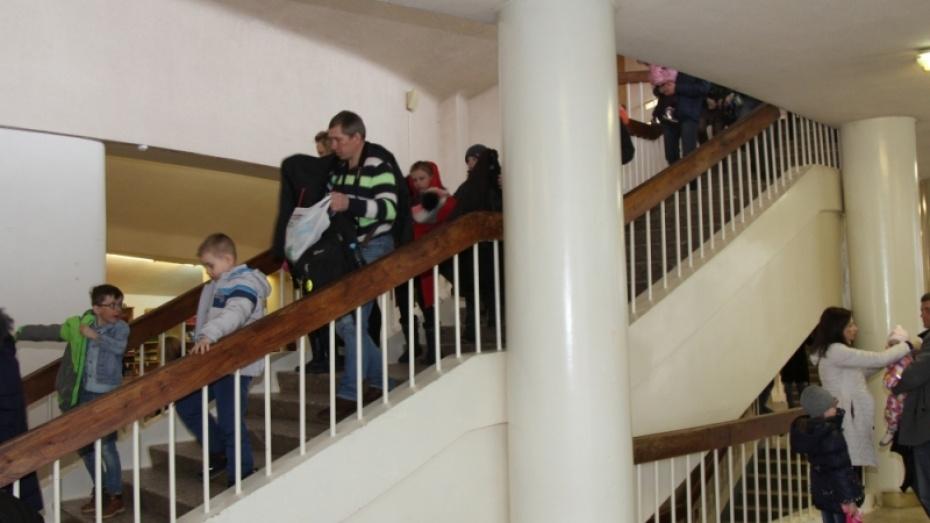 Прошли учения: гостей воронежского цирка эвакуировали попожарной тревоге