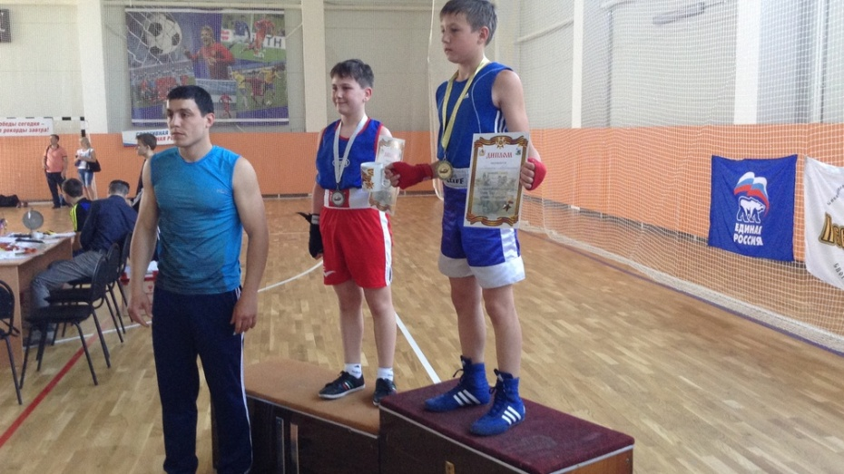 Хохольский шестиклассник выиграл областной турнир по боксу