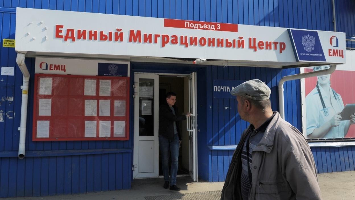 Очереди и каменные лица. Как Воронежская область встречает соотечественников