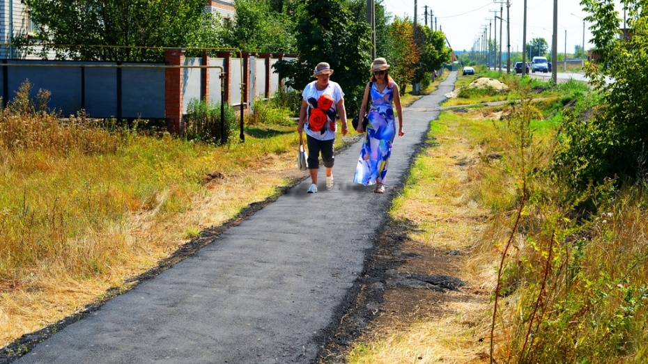 В Борисоглебске на улице Дорожной появился новый тротуар