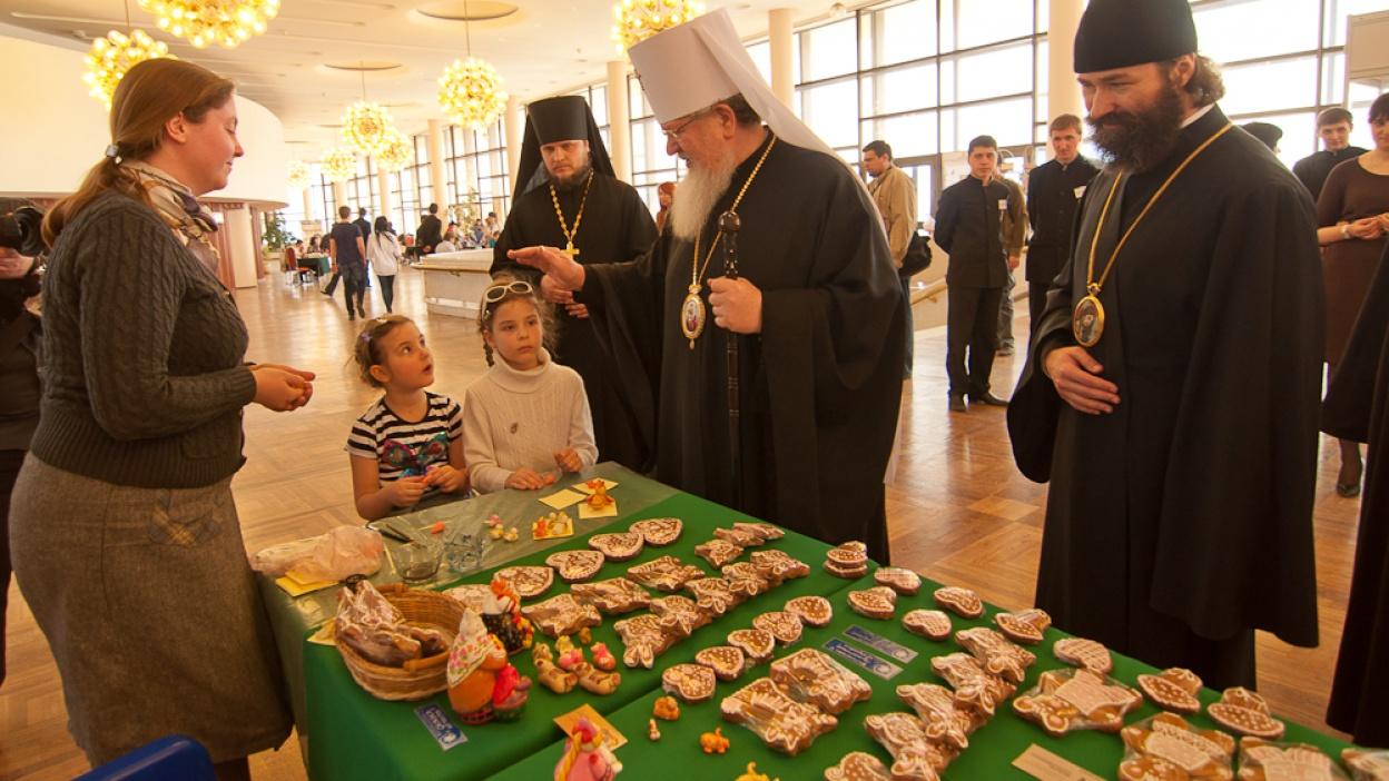 В Воронежском концертном зале прошли мастер-классы по изготовлению пасхальных сувениров