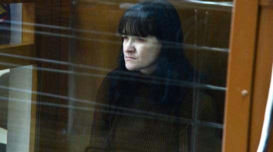 В Воронеже женщине, убившей соседскую девочку 13 лет назад, назначили 12 лет тюрьмы