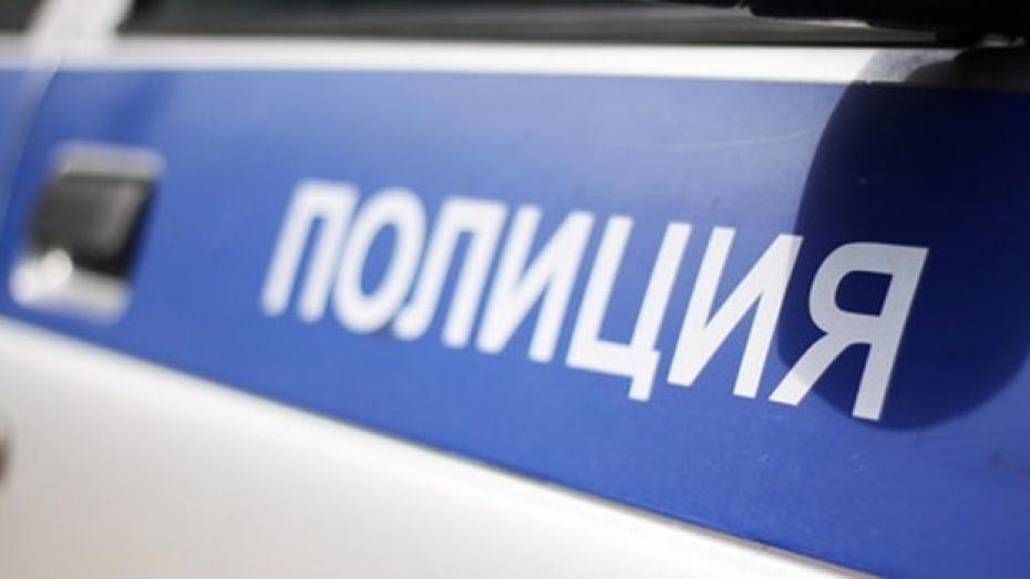 В Россошанском районе полицейские разыскали девочку, сбежавшую из дома с любимым